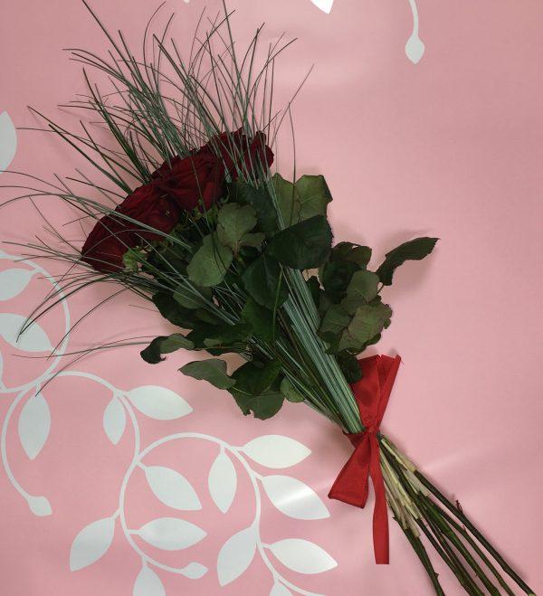 Brassée de roses rouges