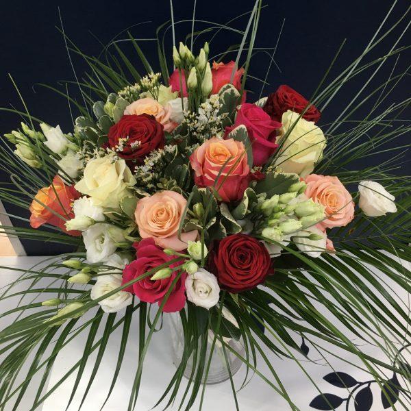 Magnifique bouquet de roses multicolores